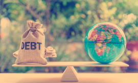 Financial institutions and developing countries' debt cancellations:  How to get rid of moral hazard?